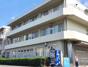 東川口病院外観