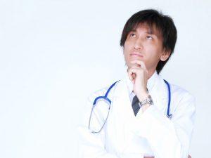 医師の勤務日数、4週6休とか4週8休、週休2日とか・・・、色々あるけれど?