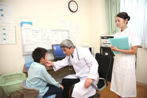 看護基準7対1と10対1の違いが、医療機関や医師に与えるインパクト
