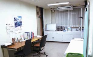 板倉病院診察室
